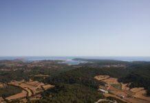 Panorama von Meer und Landschaft vom Monte El Toro, Menorca