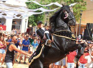 Pferdeshow bei Festumzug, Kalmar, Menorca