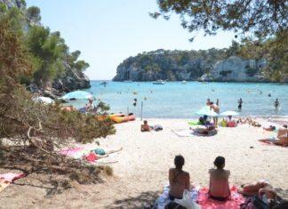 Baden in der Bucht von Cala Macarella