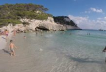 Cala Mitjana Strand imm Süden Menorcas